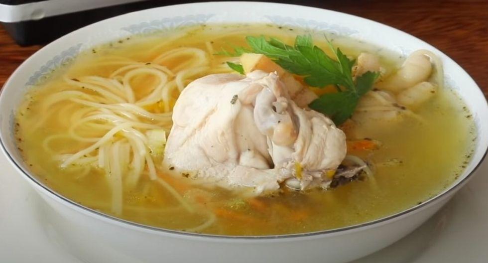 Sopa de pollo, el platillo ideal para combatir el frío