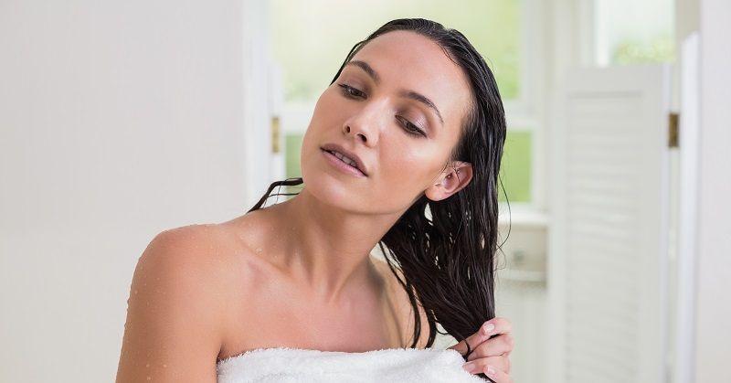 Cinco errores que cometes con frecuencia y están dañando tu cabello