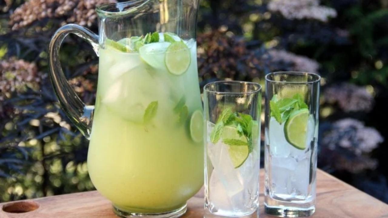 Coctel de limón y menta