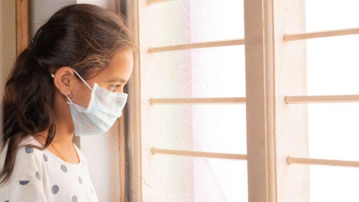 niña en pandemia